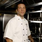 Jonas Karlsson skapar nya smaker med svensk inspiration.