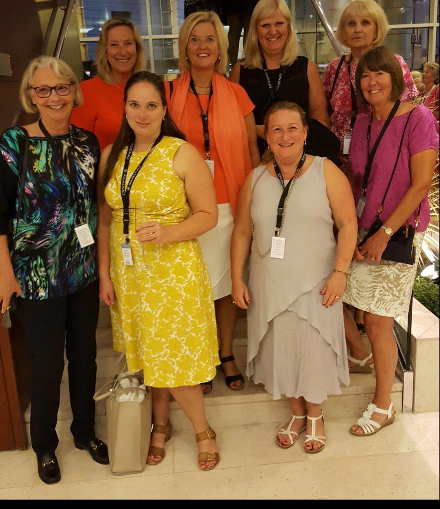 SWEA Londons delegation i Lissabon:  Från vänster: Ing-Marie Ando, Anette Tullgren, Josefin Macdonald, Helen Westlund, Karin Högman, Helen Rennie-Smith, Kajsa Hölj och Eva-Karin Brodd.